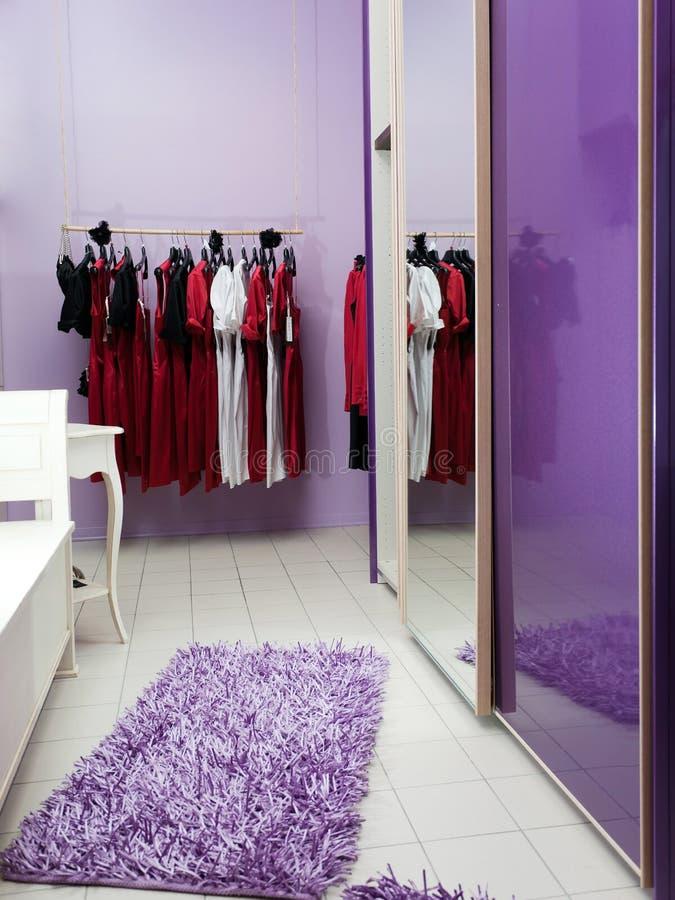 wnętrze ubraniowy sklep zdjęcia stock
