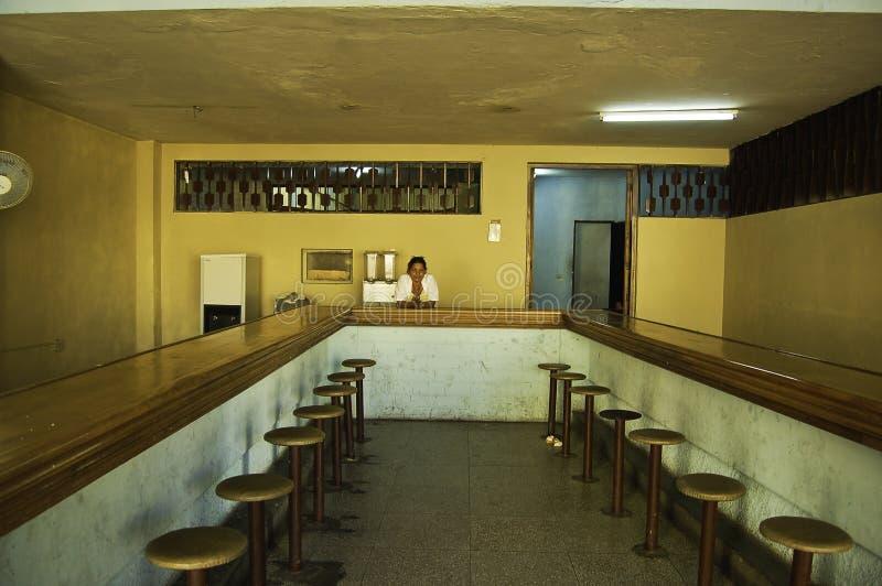 Wnętrze w barze w Cuba obraz stock
