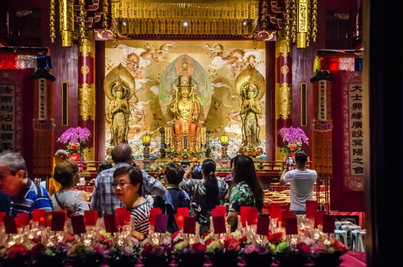 Wn?trze Buddha z?bu relikwii ?wi?tynia w Singapur obrazy stock