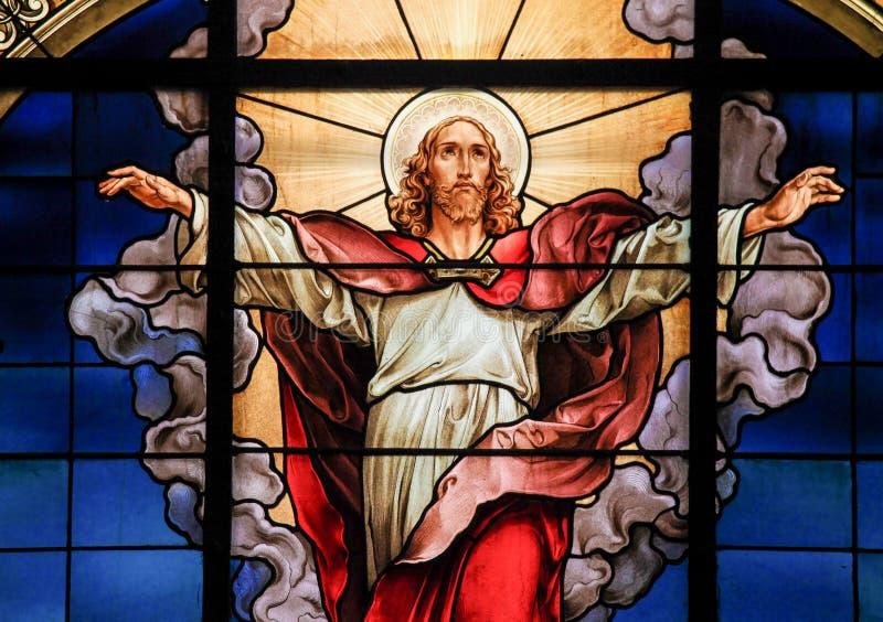 Wniebowstąpienie jezus chrystus - witraż obrazy stock