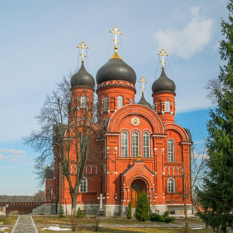 Wniebowstąpienie katedra w Świętym Przecinającym klasztorze przypuszczenia katedralna dmitrov Kremlin Moscow pocztówkowa regionu  obrazy stock