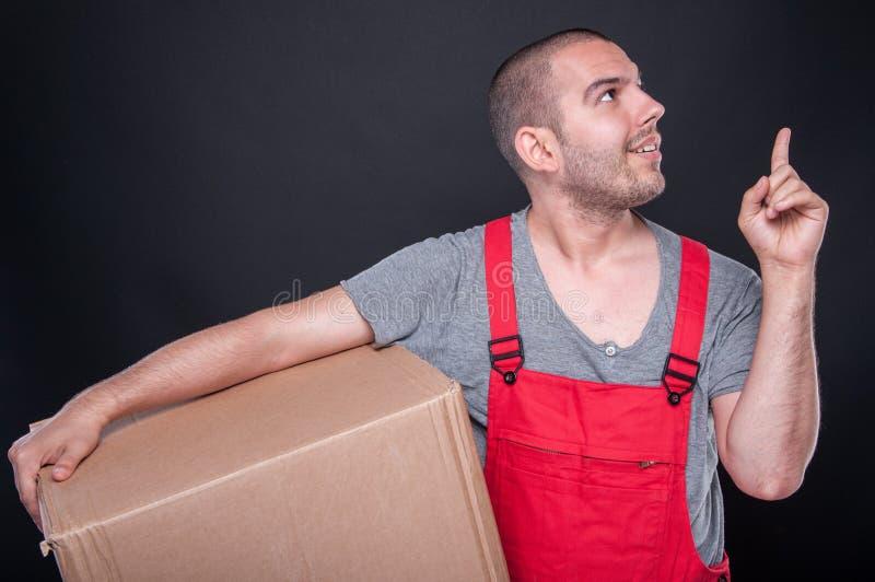 Wnioskodawca mężczyzna mienia pudełkowaty dźwignąć dobry pomysł zdjęcie royalty free