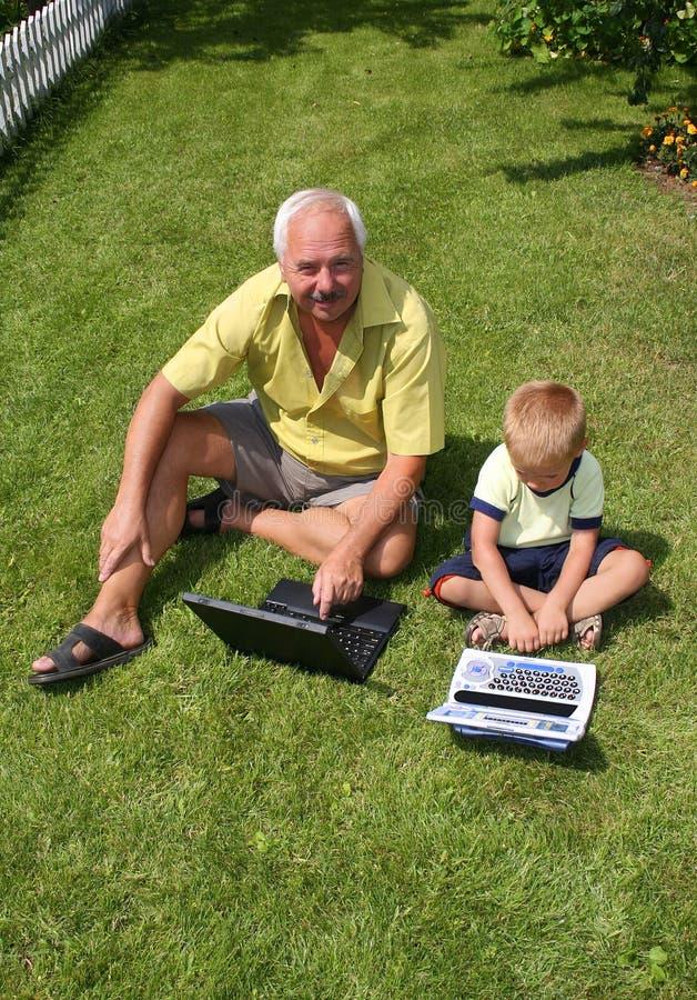 wnuczek dziadka obraz royalty free