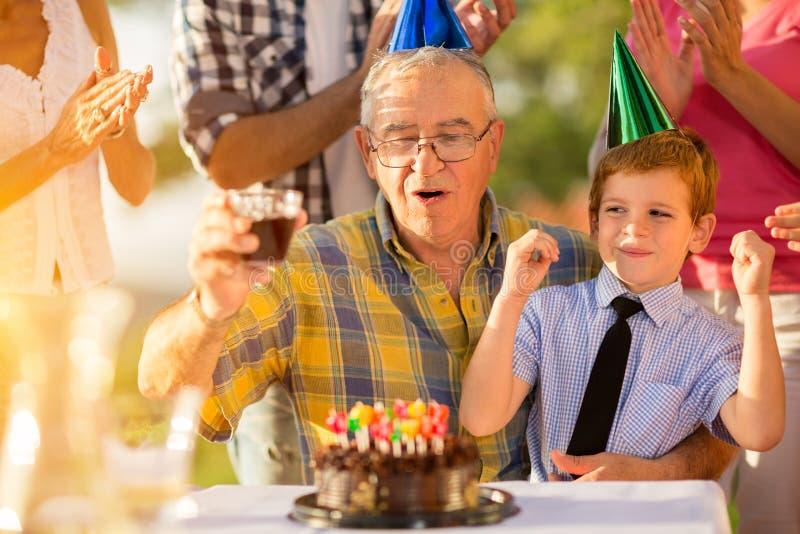 Wnuk odświętności dziady urodzinowi obraz royalty free