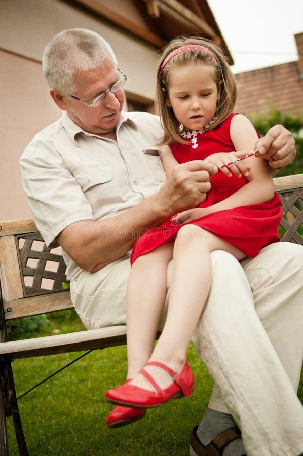 wnuka dziadka szczęśliwa emerytura obraz stock