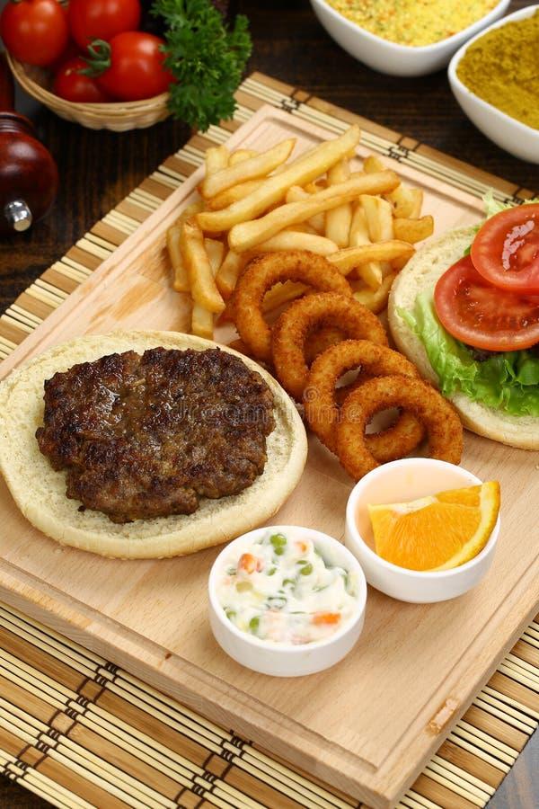 Wołowina Domowej roboty hamburger zdjęcie royalty free