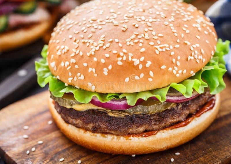 Wołowina hamburger obrazy stock