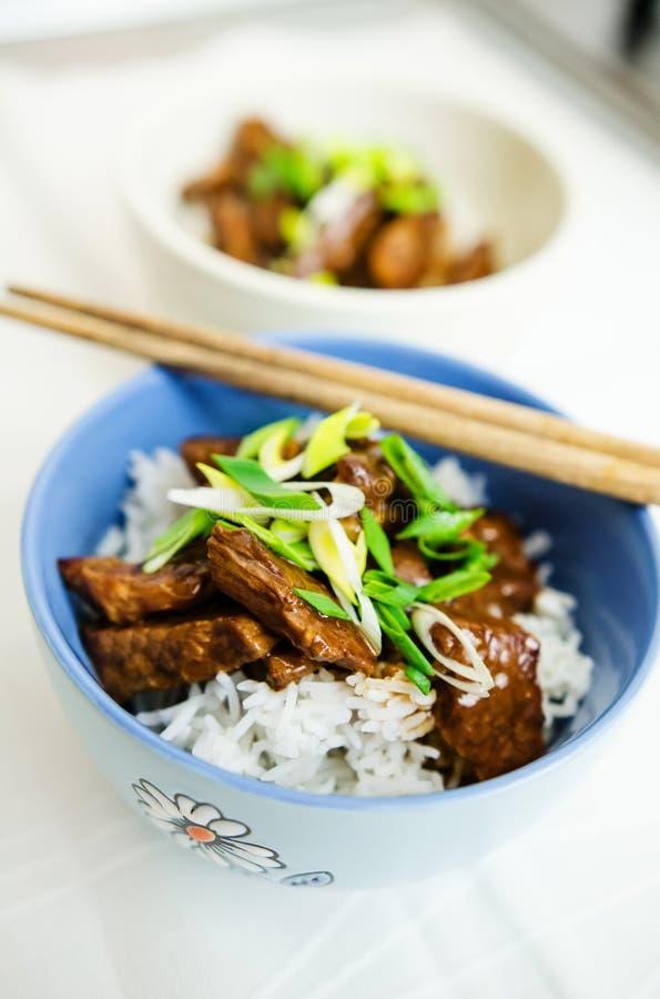 Wołowina w ostrygowym kumberlandzie z jaśminowymi ryż zdjęcie stock