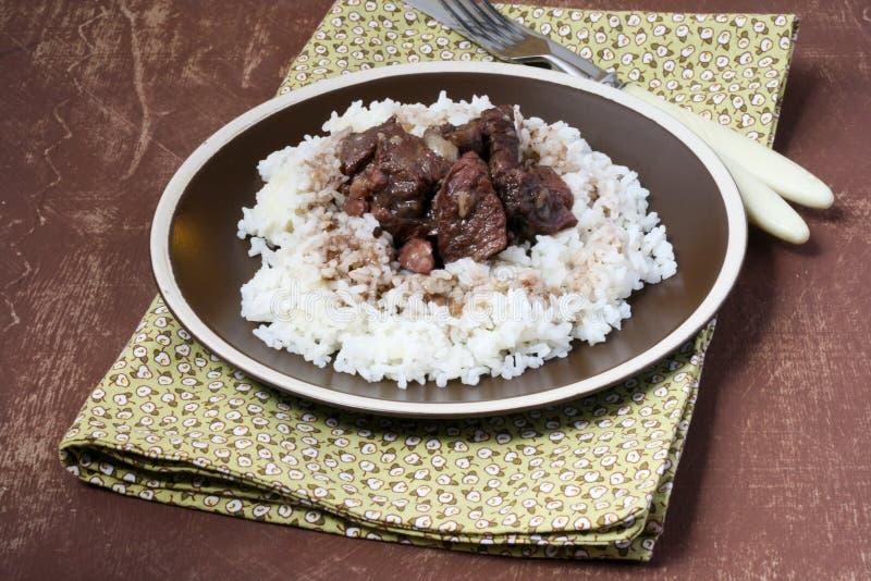 Wołowina z pieczarkami, warzywami i ryż, obrazy royalty free