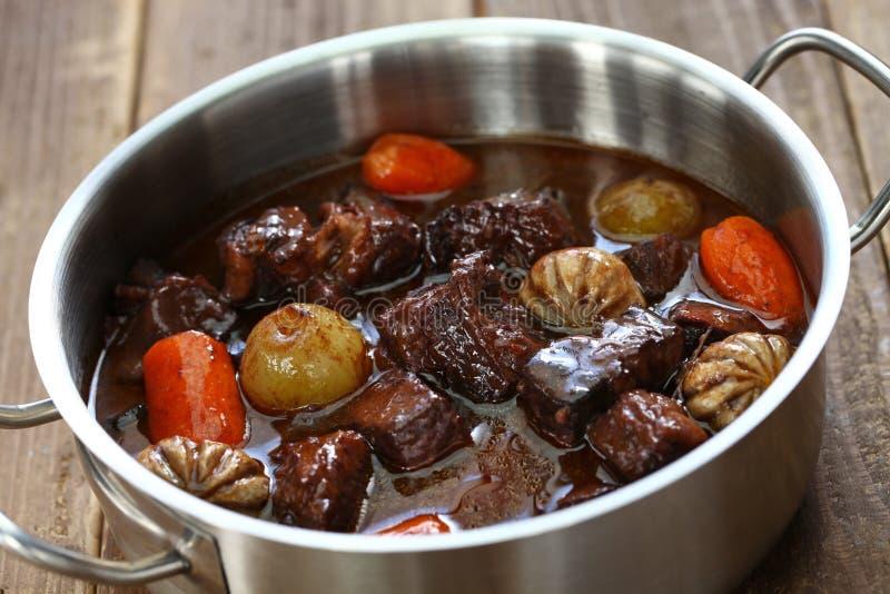 Wołowiny bourguignon, wołowina stewed w czerwonym winie fotografia royalty free