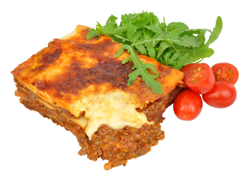 Wołowiny Lasagne Z sałatą I pomidorami obraz stock