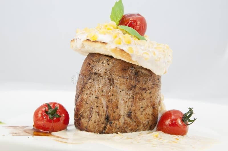 Download Wołowina stek obraz stock. Obraz złożonej z wieprzowina - 28959657