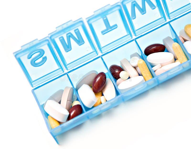 Download Wochen-Pille-Kasten stockbild. Bild von wochentag, vitamine - 9090087