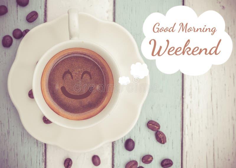 Wochenende des gutenmorgens mit Kaffeetasse lizenzfreies stockbild