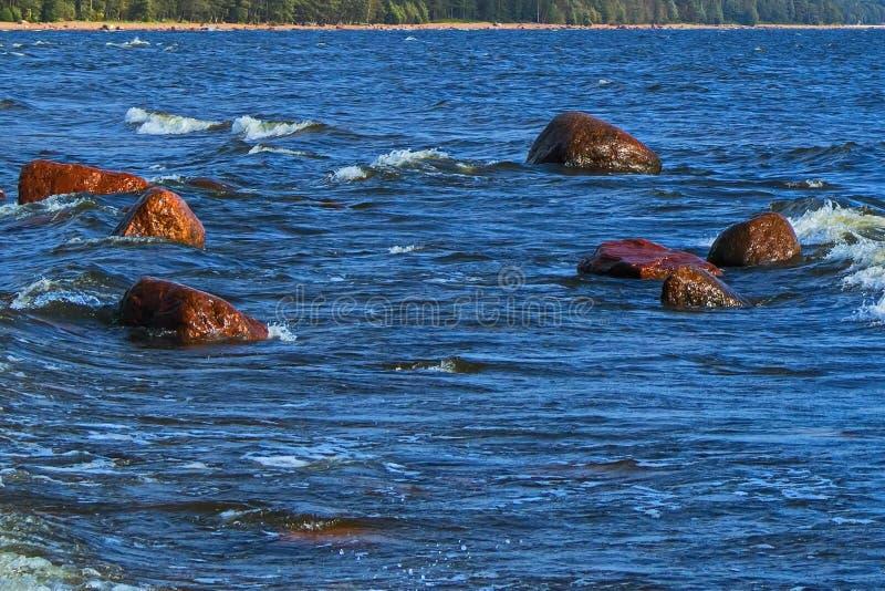 Woda i skały aphrodite miejsce narodzin cibory zbliżać paphos petra skał romiou tou fala ciężka miękka część obraz stock