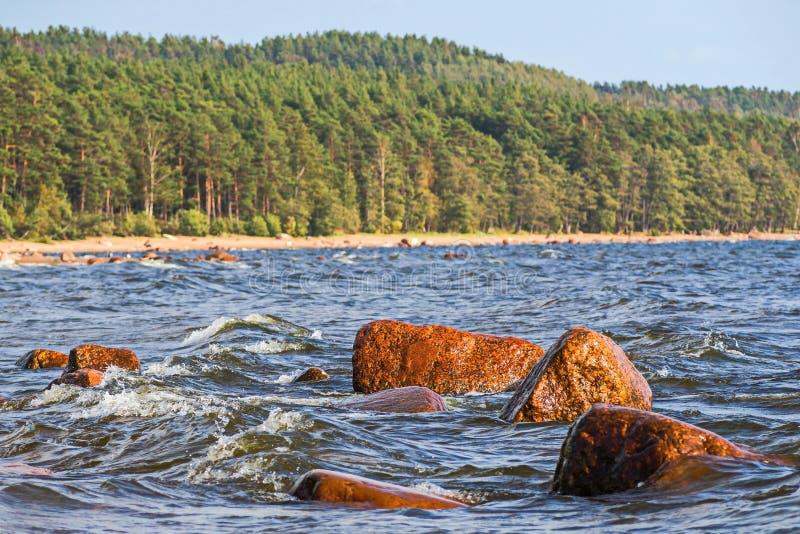 Woda i skały aphrodite miejsce narodzin cibory zbliżać paphos petra skał romiou tou fala ciężka miękka część fotografia stock