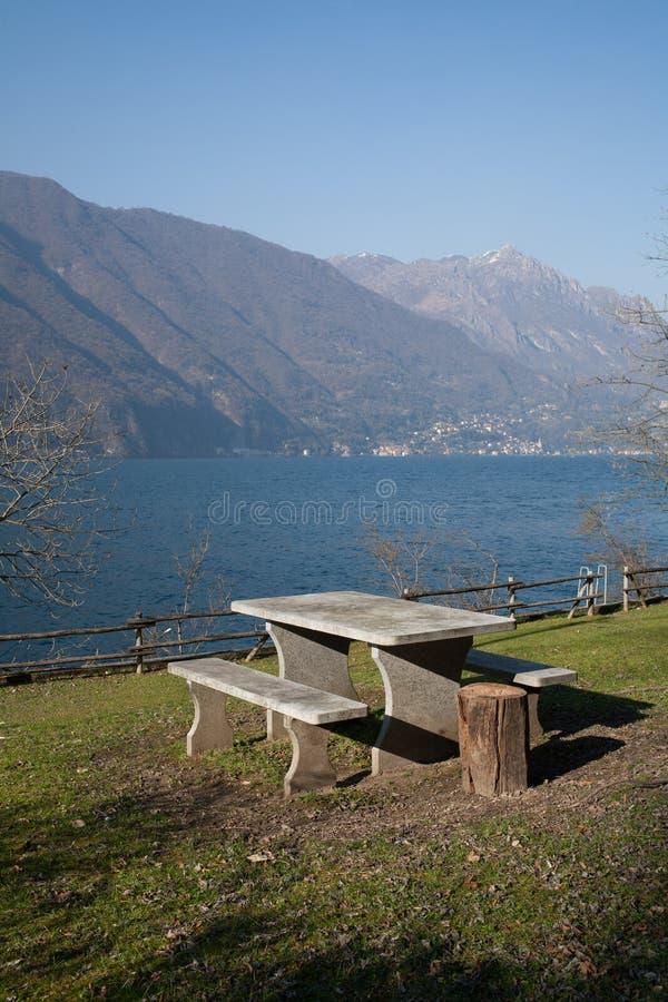 Woda, jezioro w Szwajcaria fotografia royalty free