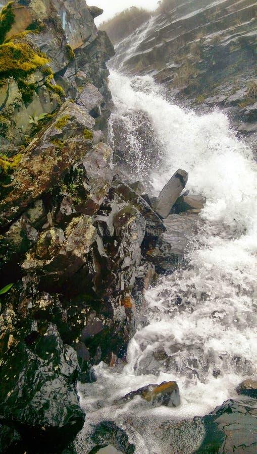 Woda Na skałach obrazy royalty free