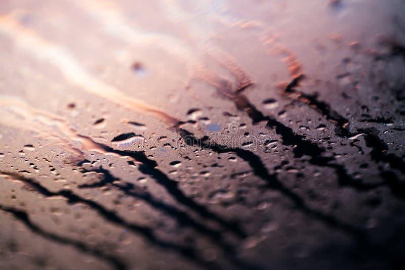 Woda opuszcza kolorowe makro- kropelki na nadokiennej zadziwiającej tło sztuce pięknej w wysokiej jakości druków produktach pięćd fotografia stock