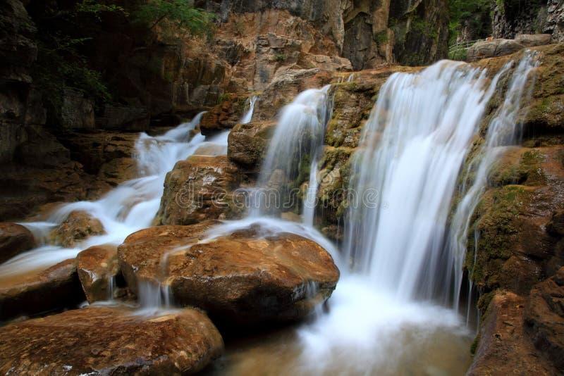Woda spadek i kaskady Góra Tai Chiny zdjęcie royalty free
