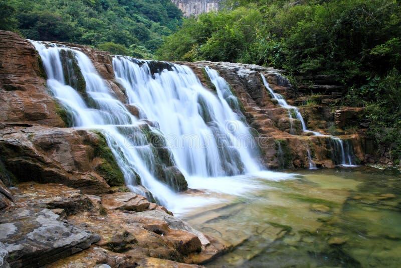 Woda spadek i kaskady Góra Tai Chiny zdjęcia royalty free