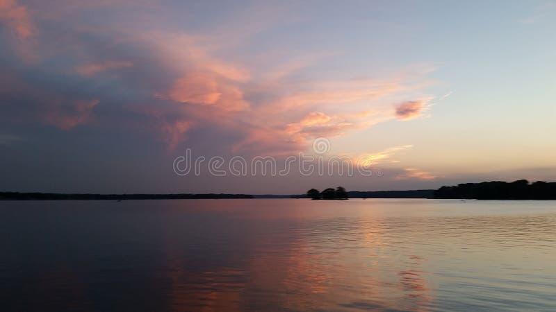 Woda spotyka horyzont zdjęcia royalty free