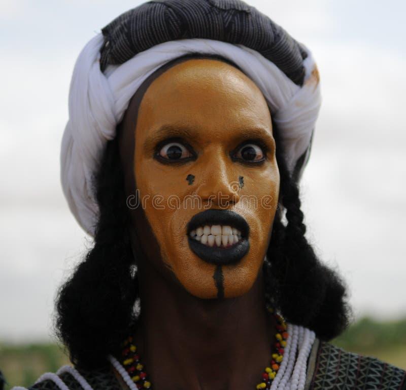 Wodaabe mężczyzna tanczy Yaake, Niger zdjęcie royalty free