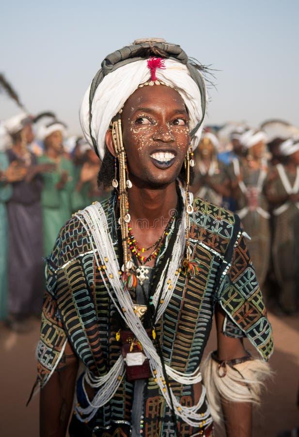 Wodaabe mężczyzna tanczy Yaake tana, Niger zdjęcie royalty free