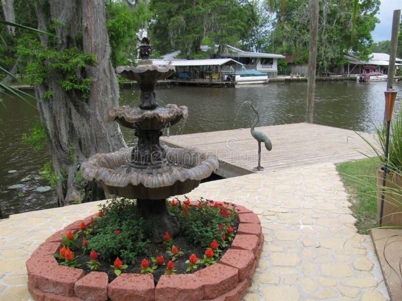 Wodna fontanna z pokładem obraz royalty free