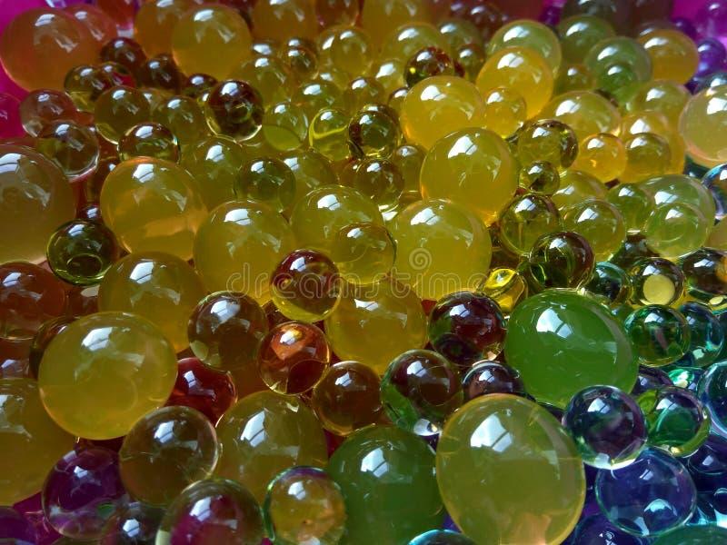 Wodne polimer piłki dla dzieciaków i wystroju zdjęcia royalty free