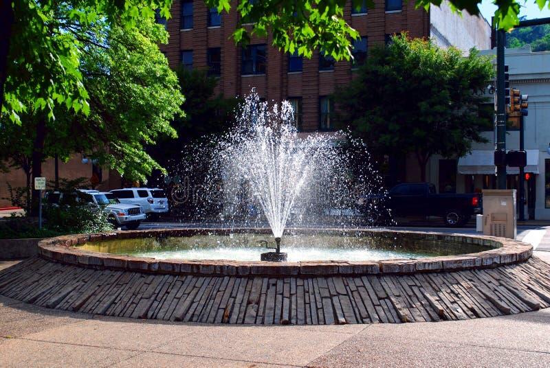 Wodnej fontanny W centrum Gorące wiosny Arkansas obrazy royalty free