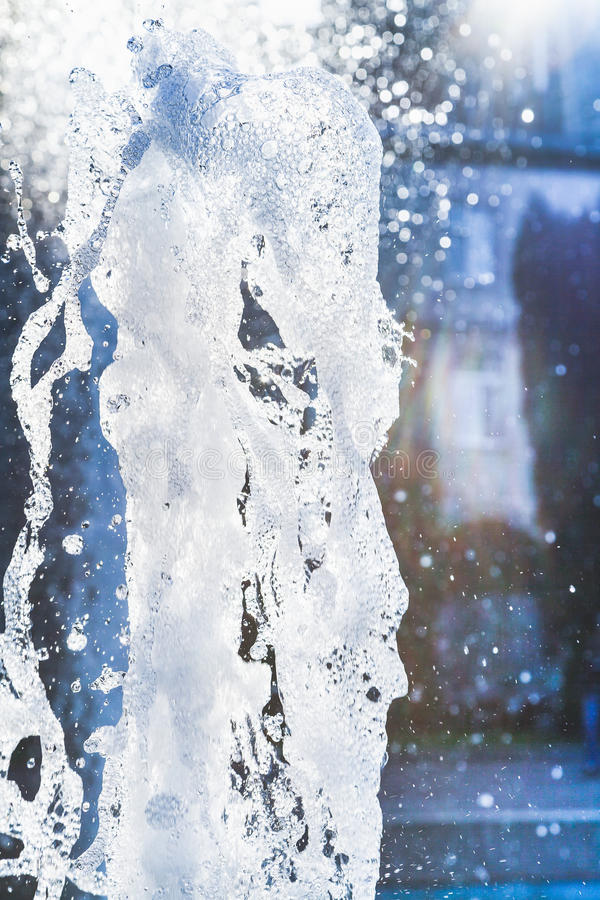 Wodni strumienie i kiść fontanny zakończenie up obraz stock