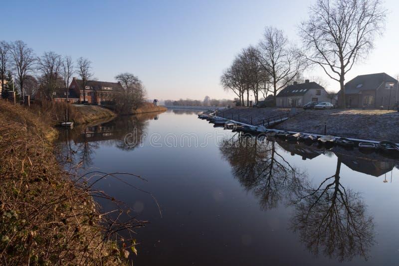 Wodny krajobraz w jesieni obrazy royalty free