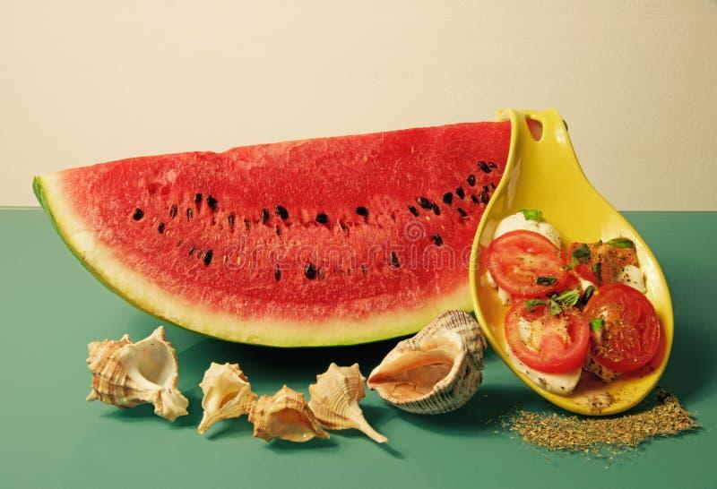Wodny melon i caprese sałatka zdjęcie stock