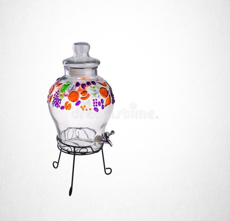 Wodny słój lub Pusty szklany słój na tle zdjęcie royalty free