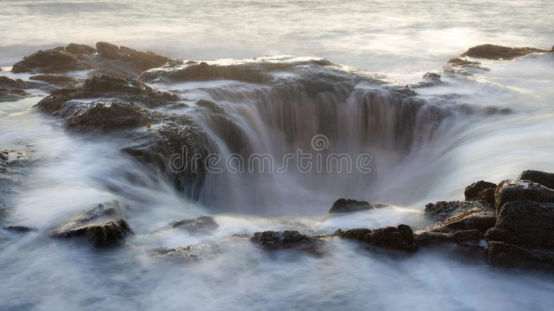 Wodny spływanie w thor ` s dobrze obrazy royalty free