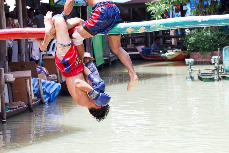 Wodny Tajlandzki boks lub Muay Talay () obrazy royalty free