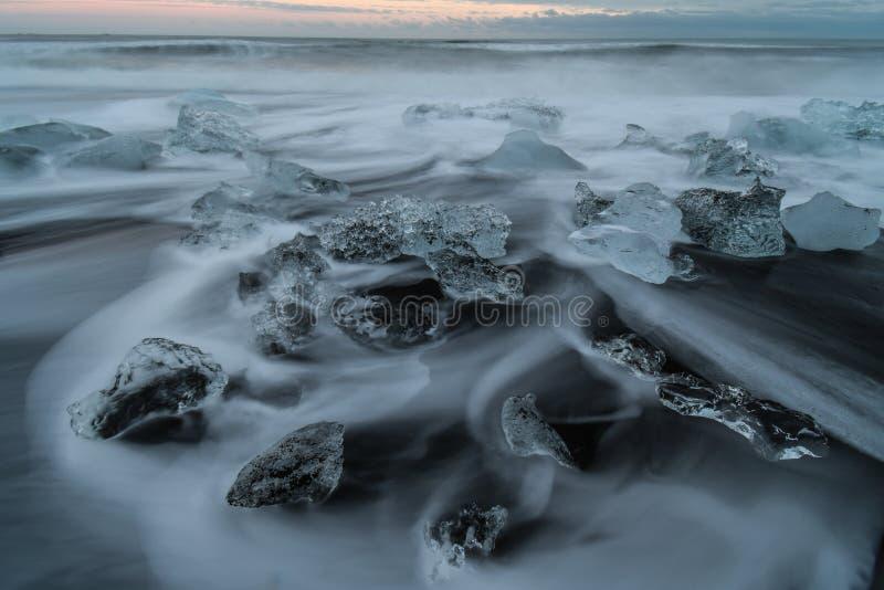 Wodny tworzy abstrakt na plaży fotografia royalty free