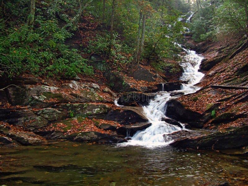 Download Wodospad zdjęcie stock. Obraz złożonej z skały, huczenie - 49898
