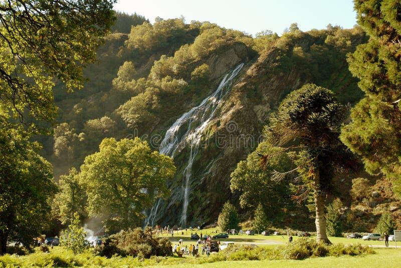 wodospad powerscourt ireland zdjęcia stock