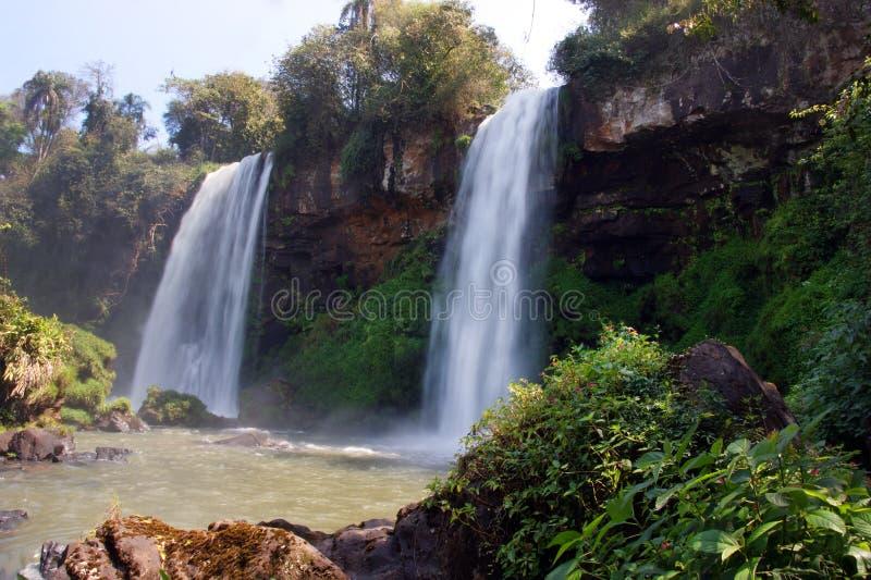 Wodospad rzeki Iguazu między Argentyną a Brazylią obraz stock