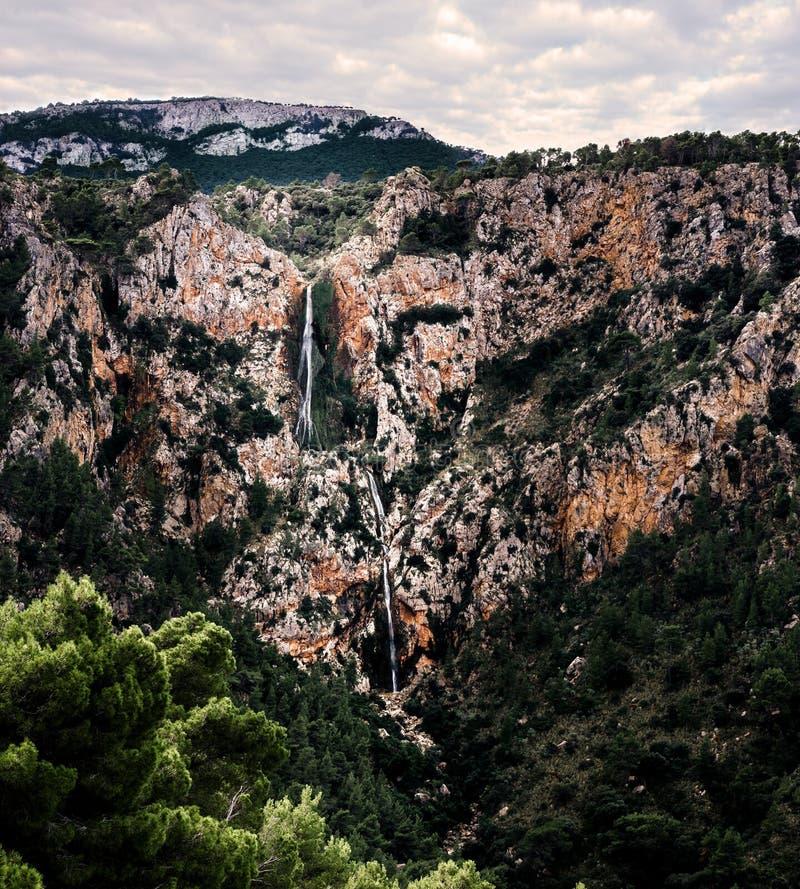 Wodospad w porcie valldemossa, majorca, wyspy balearskie, hiszpania obrazy stock