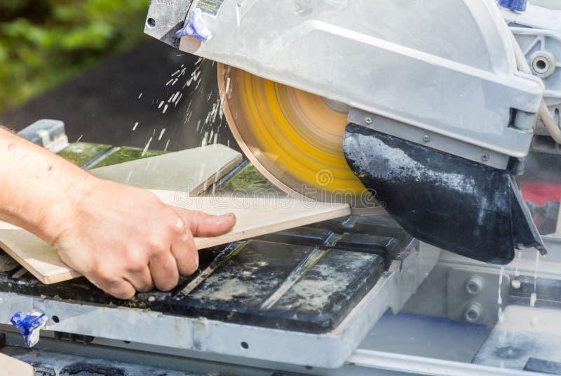 Wody podłogowej płytki ochłodzona tnąca maszyna zdjęcia stock