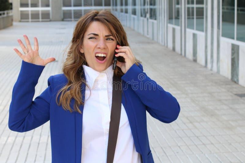 Woede op de mobiele telefoon - Voorraadbeeld royalty-vrije stock fotografie