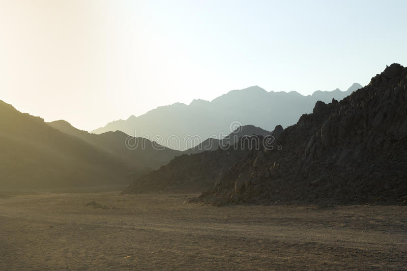Woestijnweg, Vulkanisch landschap royalty-vrije stock foto