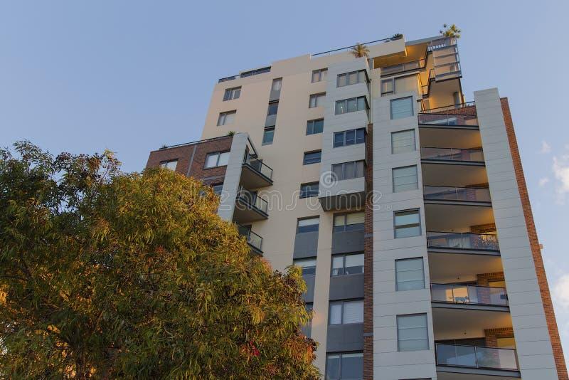 Wohngebäude bei Pyrmont in Sydney, Australien Wohnungsquerstation stockbilder