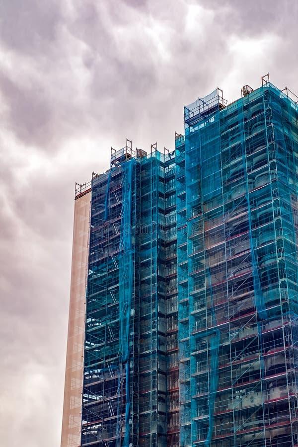 Wohngebäude in der Erneuerung stockbild