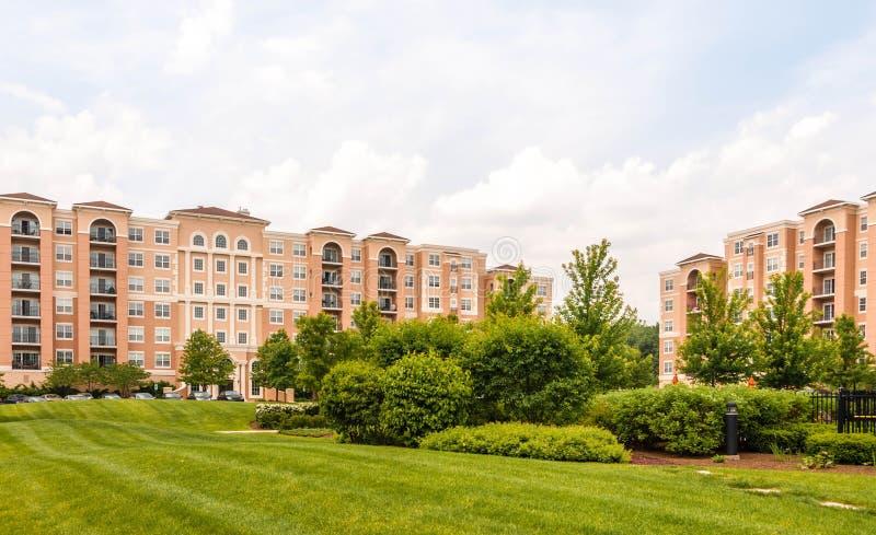 Wohngebäudekomplexäußeres stockfoto