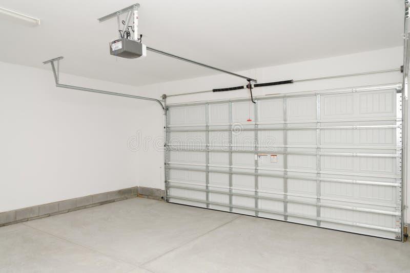 Wohnhausgarage stockfotografie