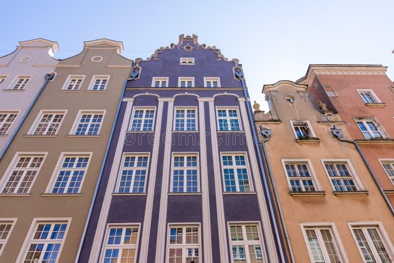 Wohnheim und herd errichtender Komplex der Wohnung mit Torkonzept Hauswohnungsbau-Architektenarchitektur Gdansk, stockbilder